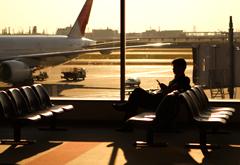 国内でも役立つ「航空機遅延保険」付帯のクレジットカード3選