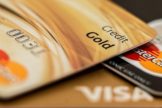 クレジットカードの裏面にサインをしないと使えない!?
